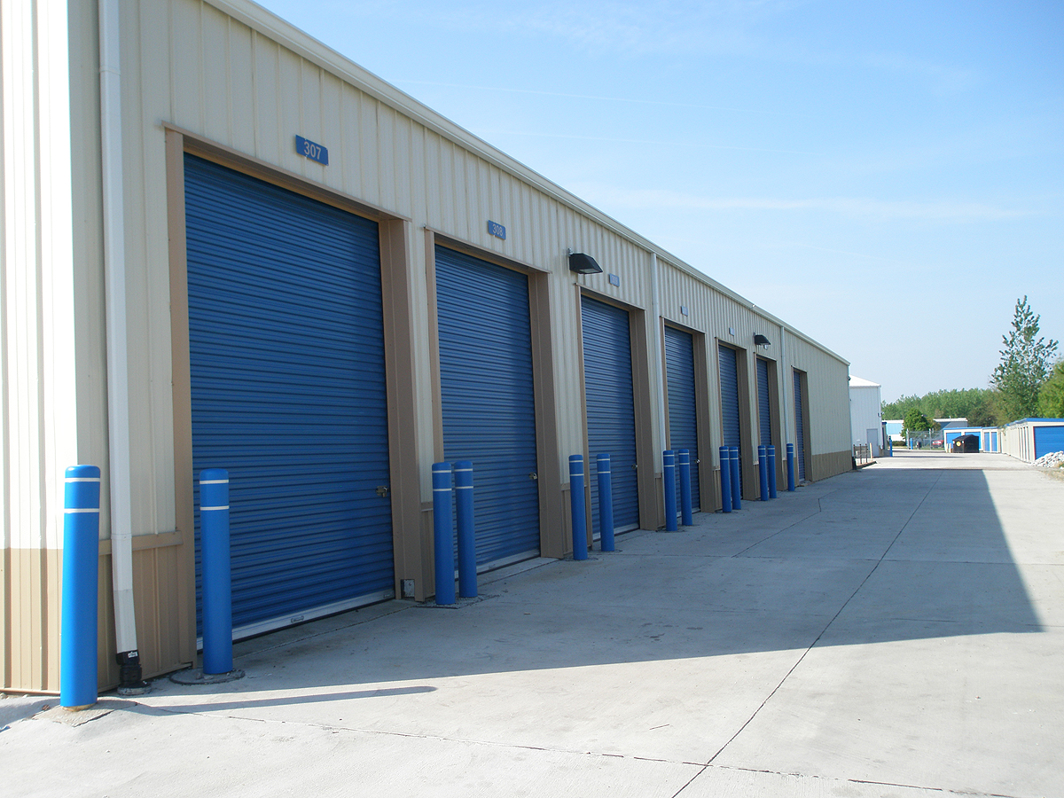 High Bay Door Self Storage Unit In Davenport Iowa